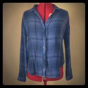 Cloth & Stone soft cotton blue plaid button down